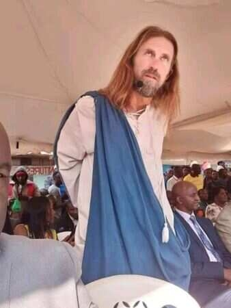 Kenyan government deports Jesus and arrests pastors who invited him 338x450