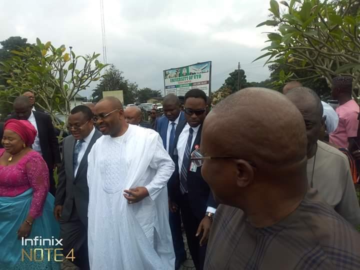 Governor Udom Emmanuel visits victory chapel in UNIUYO donates 20 million naira 2