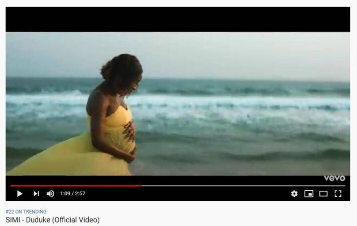 Simi in Duduke music video with her Pregnancy Baby Bump